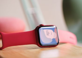 Future Apple Watches could feature blood glucose and body temperature sensors